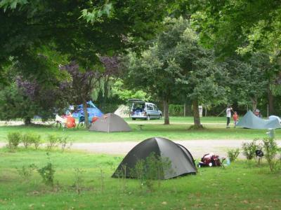 Camping De La Cascade, Tonnerre